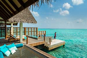 Four-Seasons-Landaa-Giraavaru-12